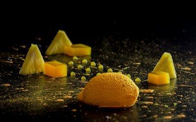 Мус от манго с гел от лимон, компресиран ананас и желе от цитуси